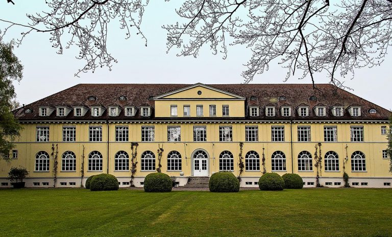 historisches Gebäuder der Schuhfabrik Bally