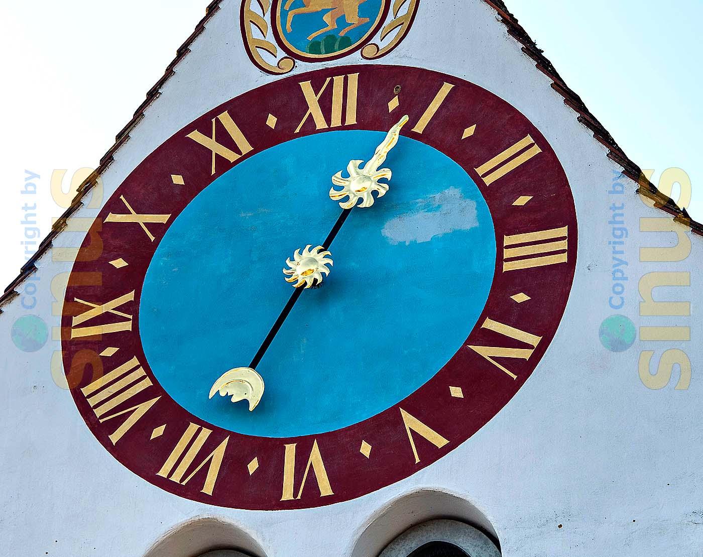 reformierte Kirche / Kirchenuhr