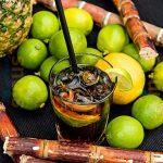 Rum, Zuckerrohr und Limetten